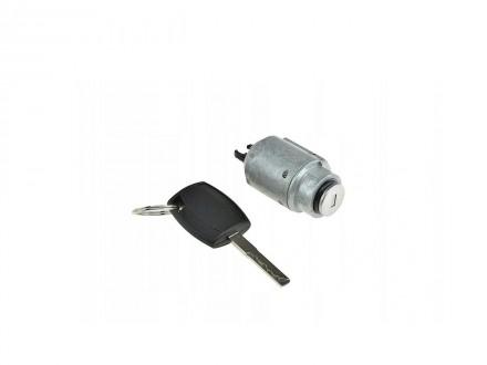 Патронник с ключове за преден капак Ford Focus 2